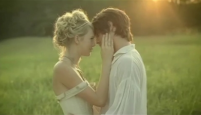 taylor_swift_-_love_story_music_video_2
