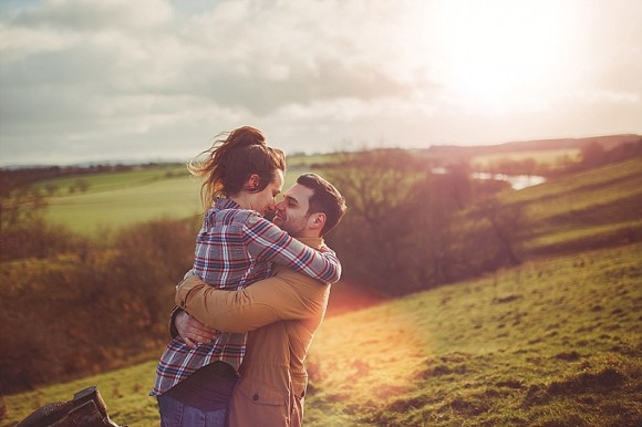 hannah-jasons-love-story-c-nicola-helen-photography-3-580x386